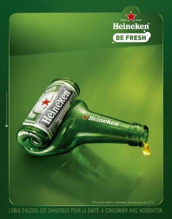 """Heineken Be Fresh - Dental Pôster francês de uma garrafa da Heineken enrolada dando a impressão de """"espremer"""" como um tubo de pasta de dente."""