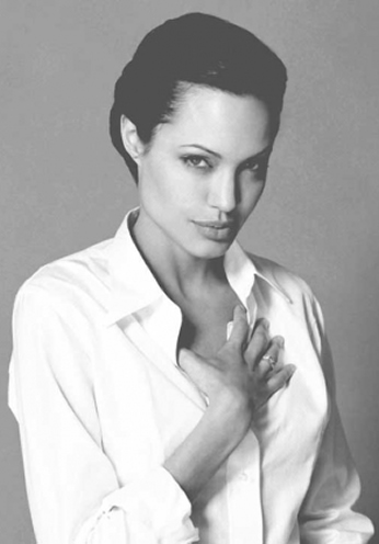 Angelina Jolie - Reticles
