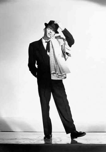 Frank Sinatra em cena do filme Meus Dois Carinhos de 1957.
