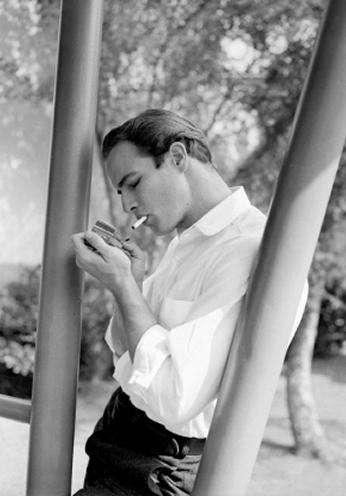 Marlon Brando - Smoking - 1955