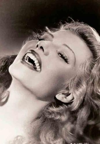 Rita Hayworth - Smile